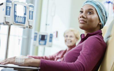 El manejo de los efectos secundarios del cancer relacionados con la nutrición durante las fiestas.